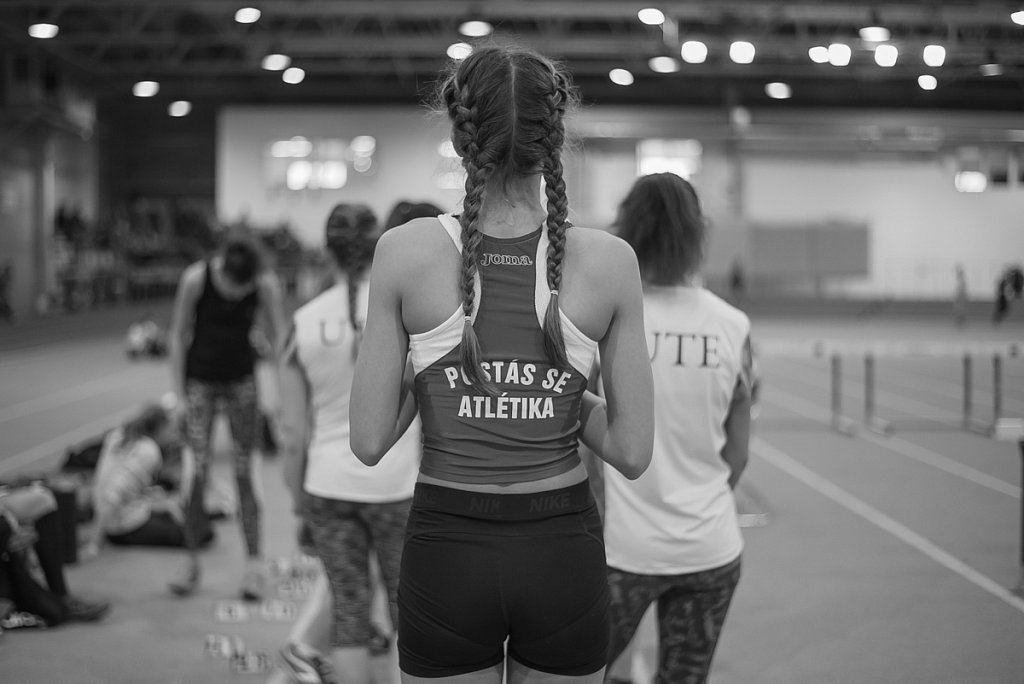 Postás SE atlétika / Young athlete girl from behind