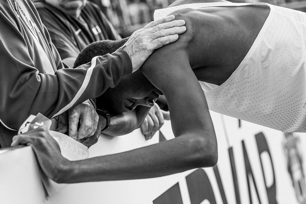 Emotional moments of Mutaz Essa Barshim and his trainer
