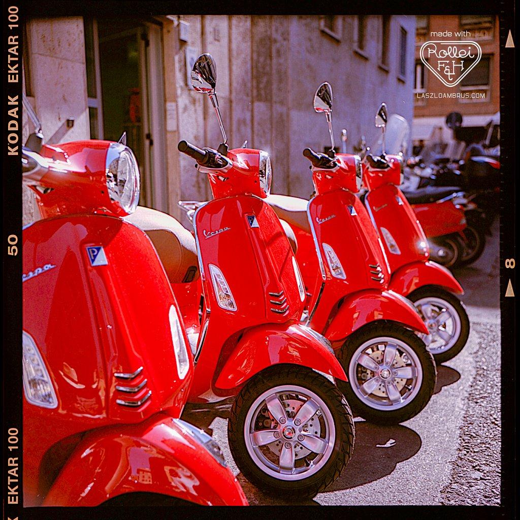 Vespa-motorbikes-in-a-row-Italy-Rome.jpg